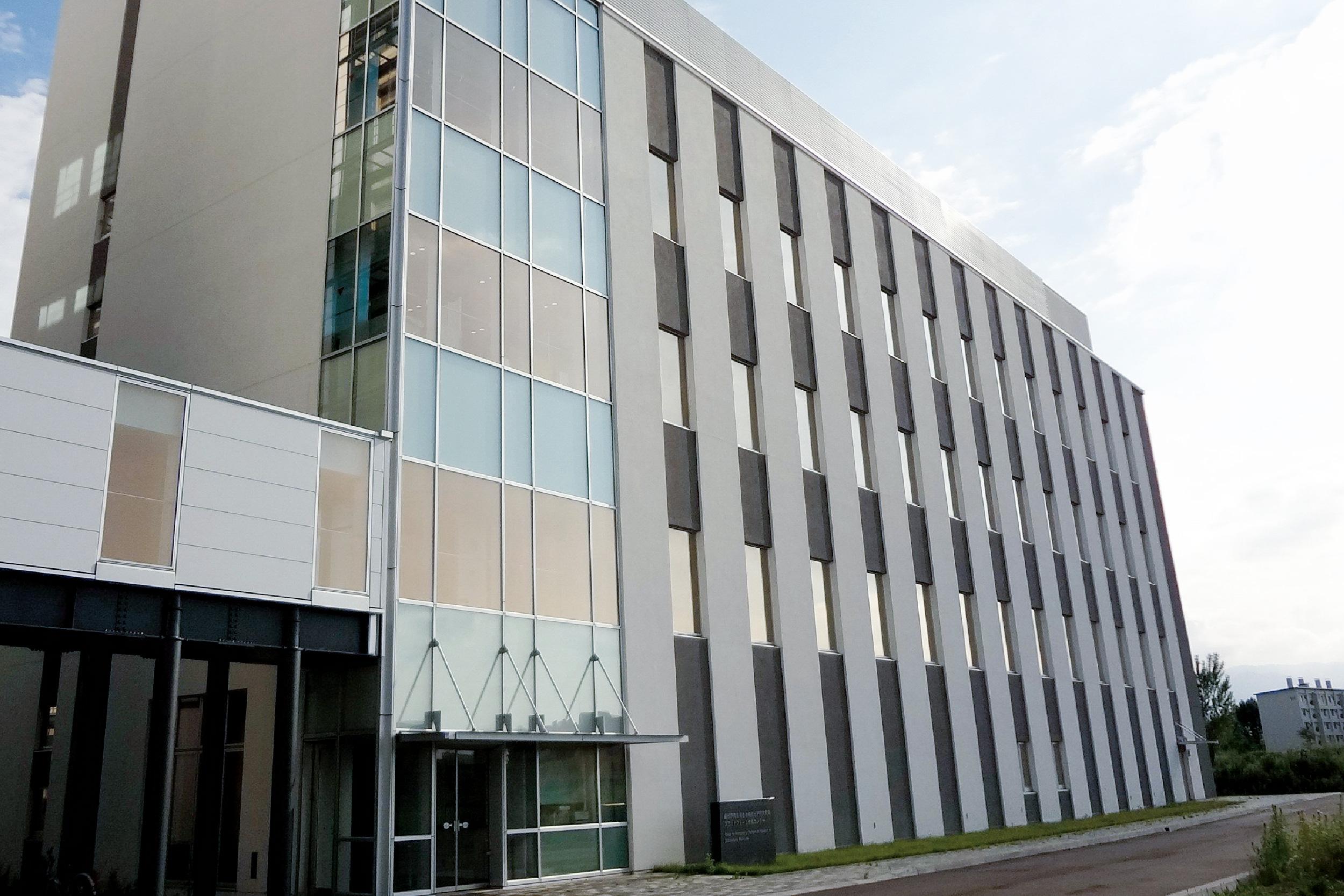 北海道大学・生物機能分子研究開発プラットフォーム推進センター